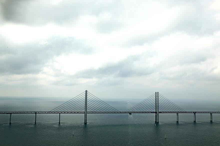 Underwater-tunnel-bridge-oresund-link-artificial-island-sweden-denmark (3)