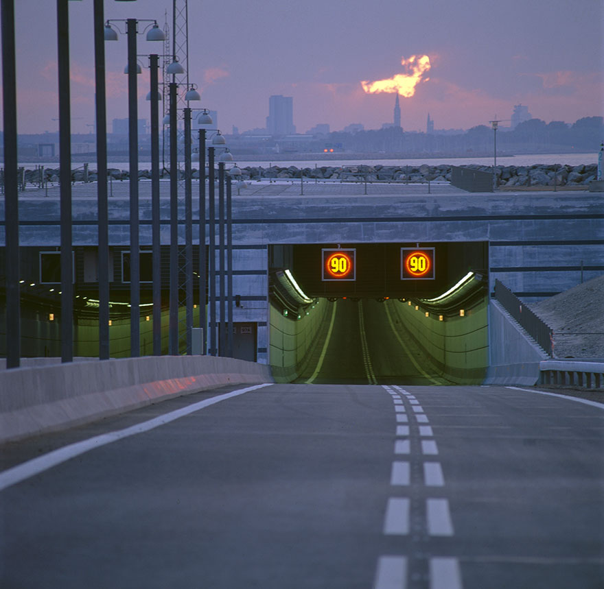 Underwater-tunnel-bridge-oresund-link-artificial-island-sweden-denmark (6)