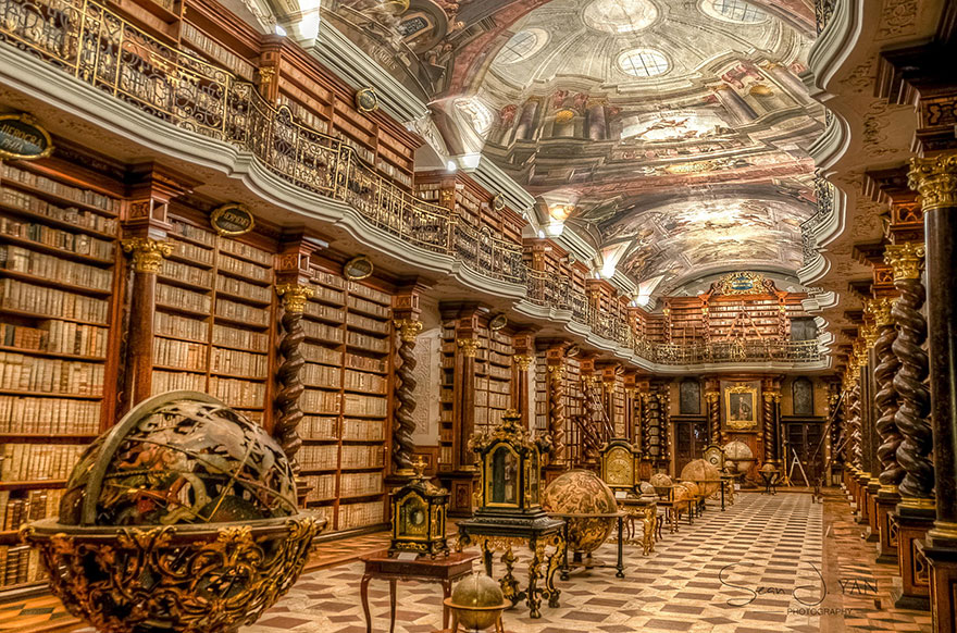 World-Most-Beautiful-Library-klementinum-national-library-czech-republic-1