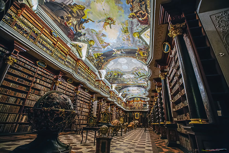 World-Most-Beautiful-Library-klementinum-national-library-czech-republic-7