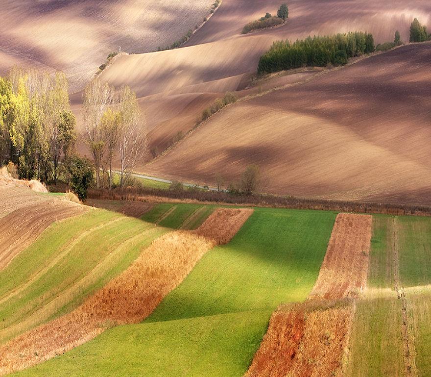 Beauty-Of-Moravian-Fields-In-The-Chech-Republic (15)