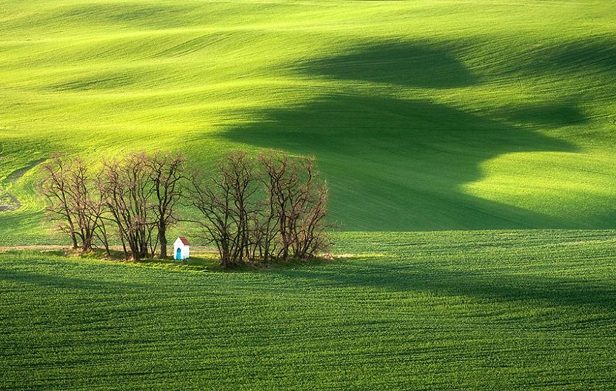 Beauty-Of-Moravian-Fields-In-The-Chech-Republic (6)