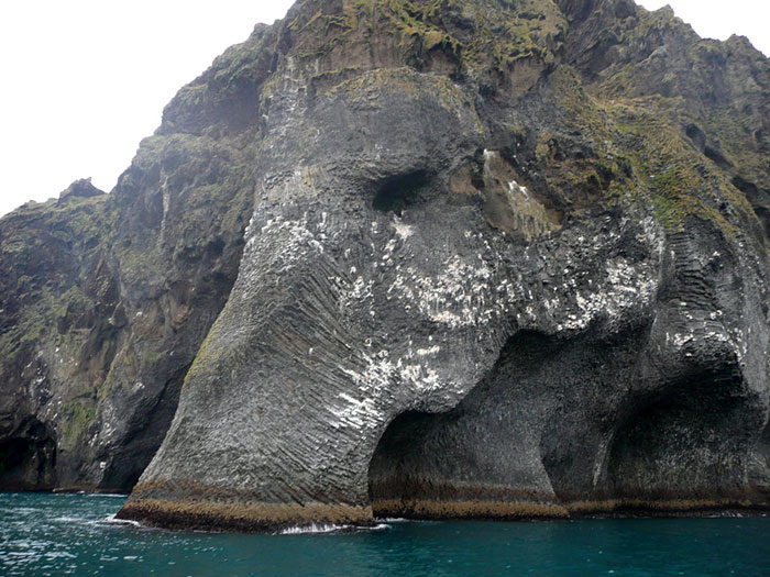 rock-formation-elephant-mammoth-heimaey-iceland