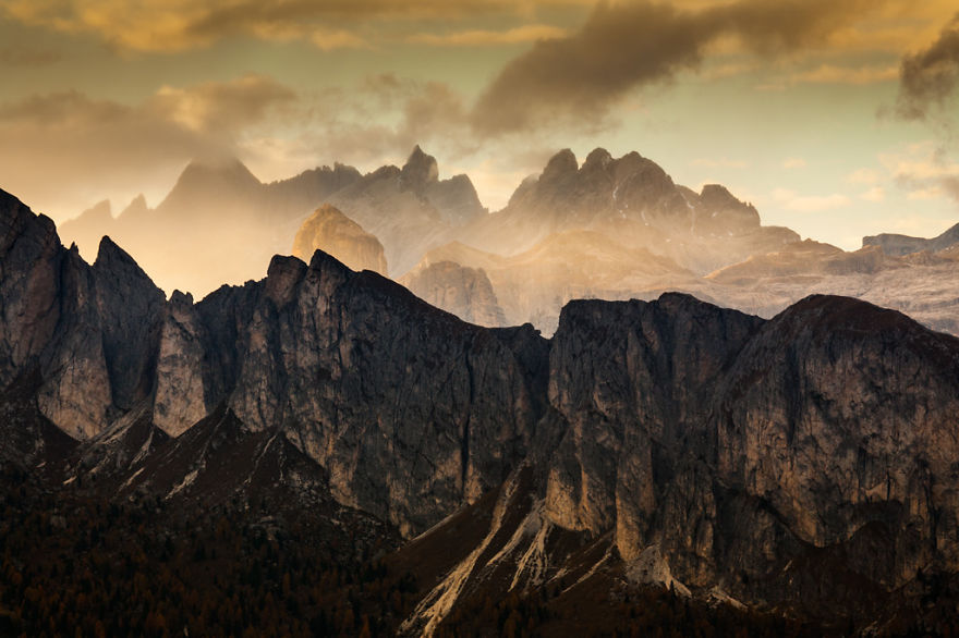 autumn-in-the-dolomites-of-italy-photographs (12)