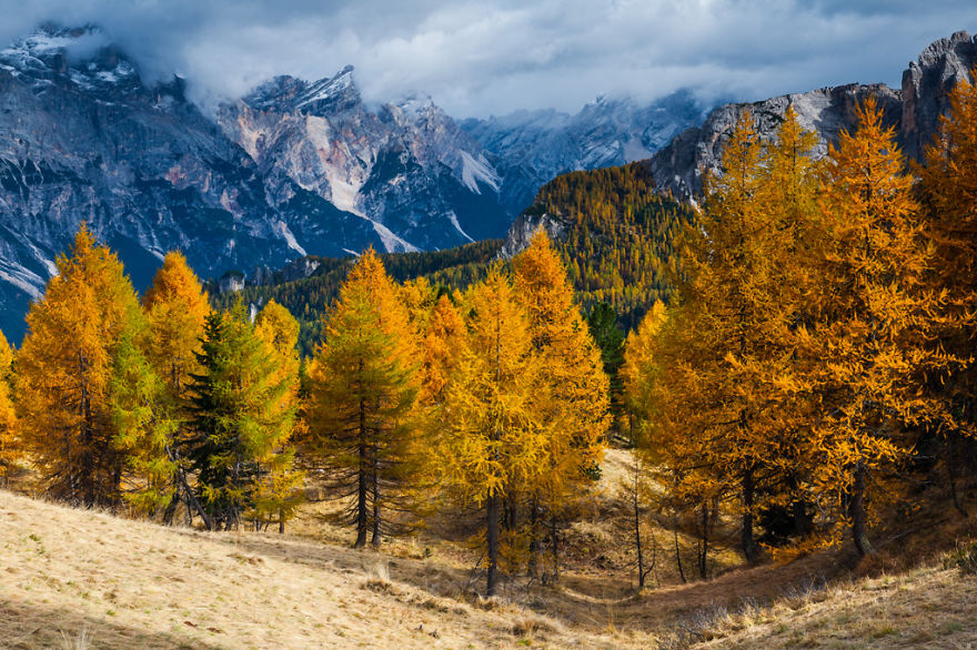 autumn-in-the-dolomites-of-italy-photographs (13)