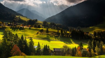 autumn-in-the-dolomites-of-italy-photographs