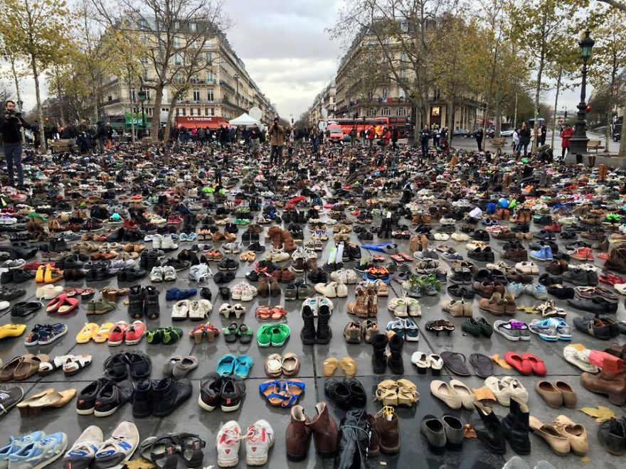 people-send-their-shoes-for-global-climate-march-in-paris
