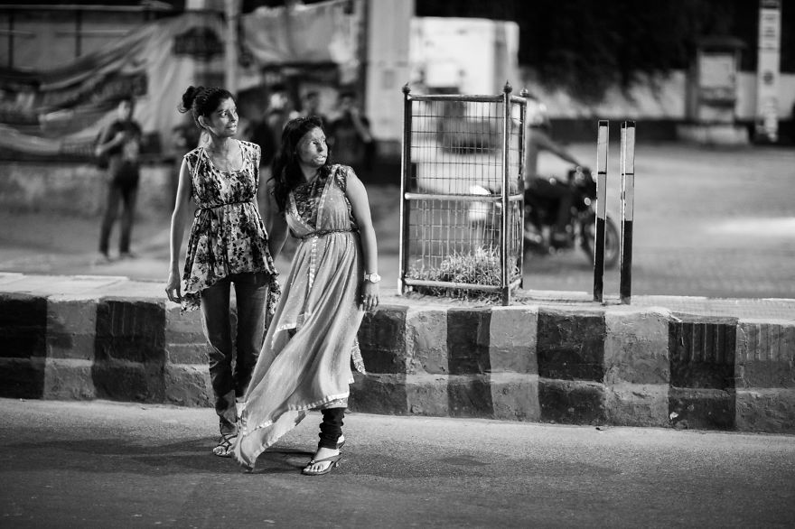 portraits-of-acid-attacks-survivors-in-india-sheroes-hangout (11)