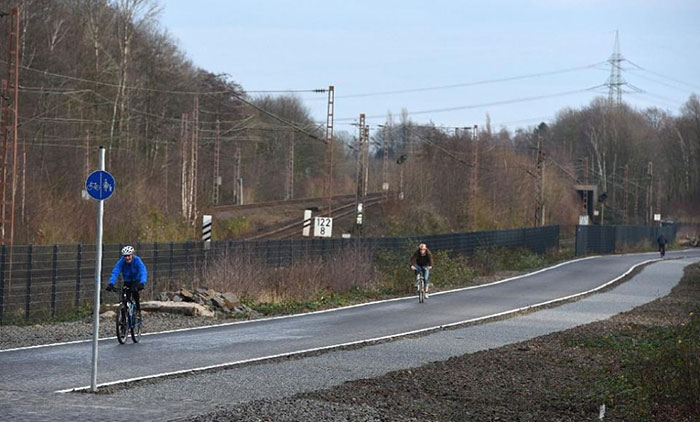 bicycle-highway-autobahn-germany (4)