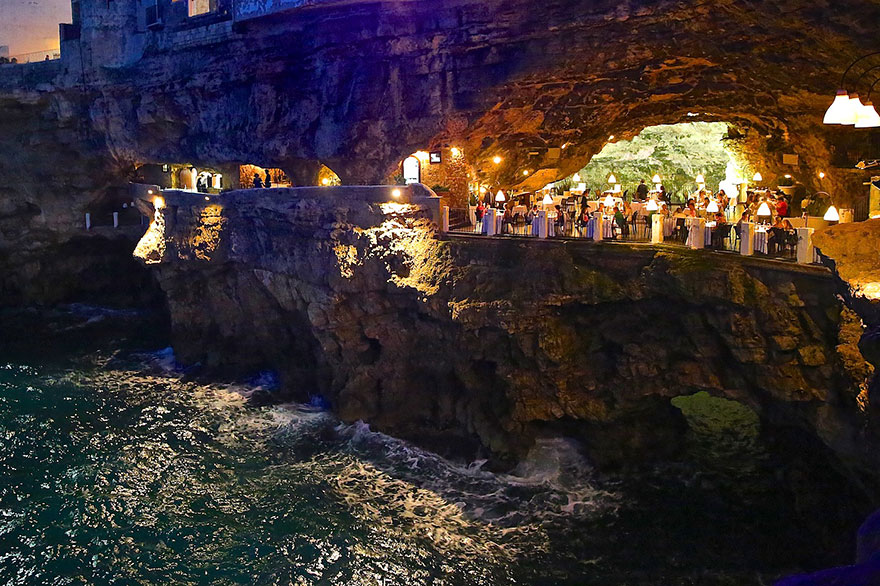 italian-cave-restaurant-grotta-palazzese-polignano-mare (7)