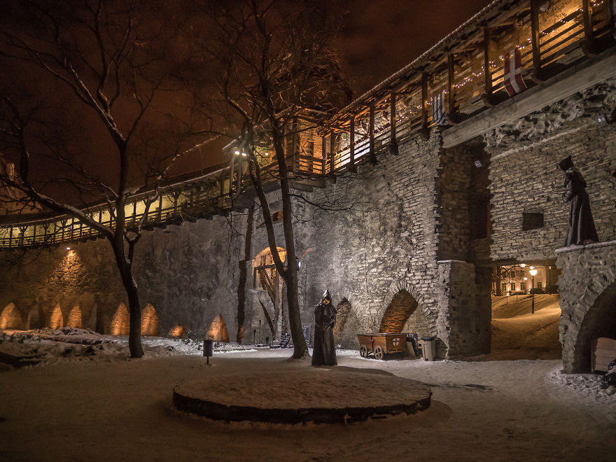 travelling-back-in-time-15-pictures-of-medieval-tallinn (2)