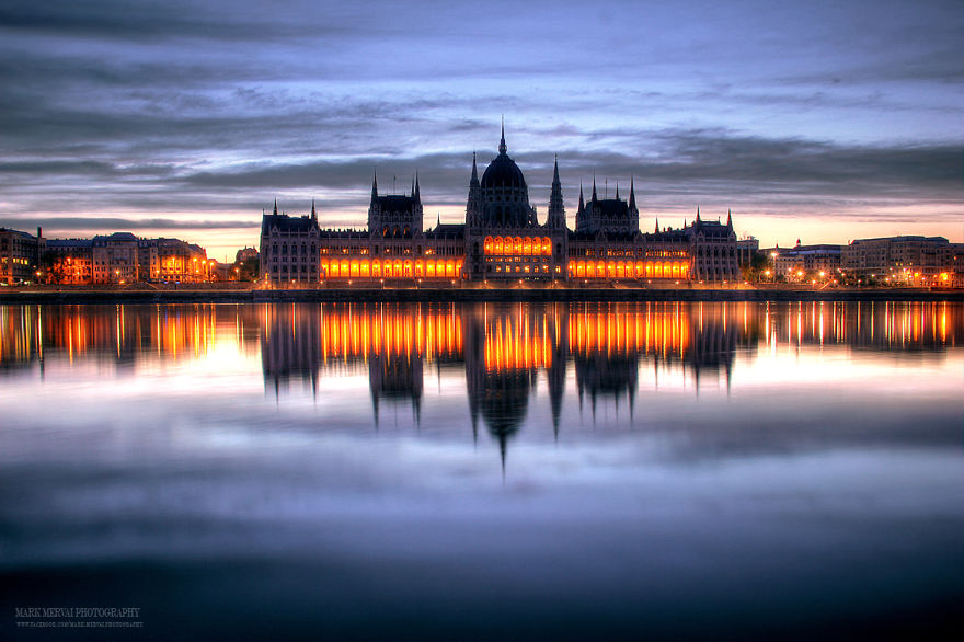Perfect-Lights-To-Show-The-Real-Beauty-Of-Budapest (15)