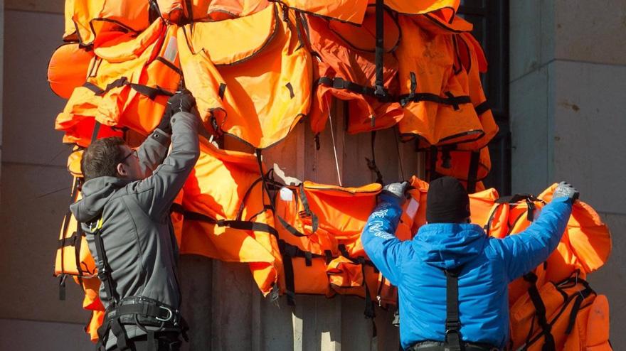 refugee-life-jackets-konzerthaus-ai-weiwei (3)