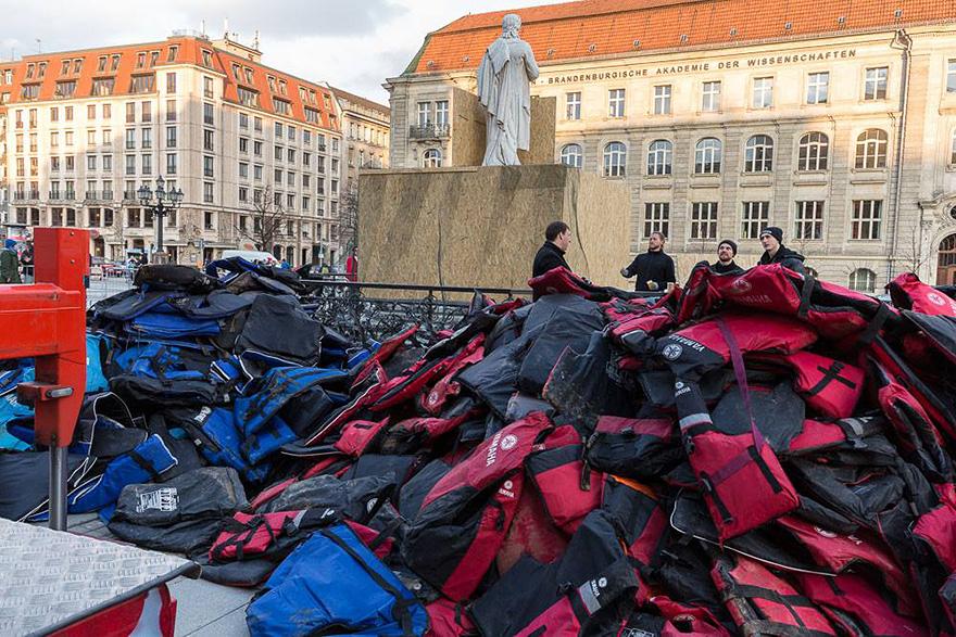 refugee-life-jackets-konzerthaus-ai-weiwei (8)