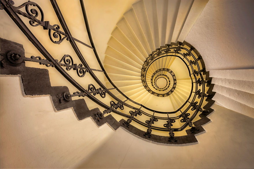 travel-around-germany-to-photograph-amazing-staircases (12)