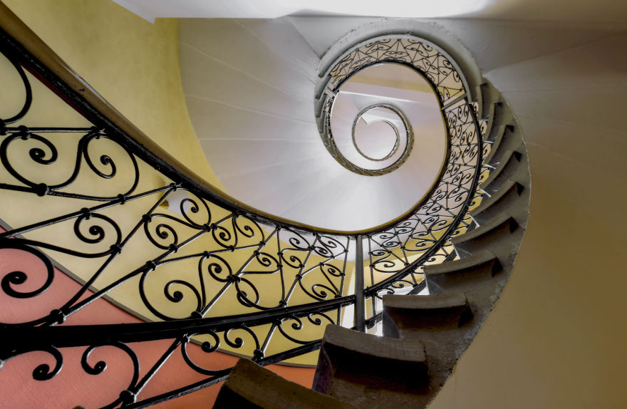 travel-around-germany-to-photograph-amazing-staircases (14)