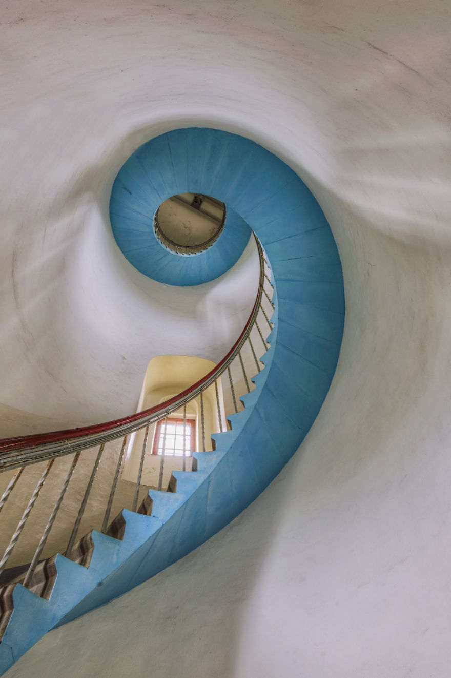 travel-around-germany-to-photograph-amazing-staircases (7)