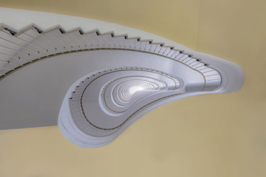 travel-around-germany-to-photograph-amazing-staircases (8)