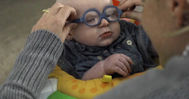 glasses-baby-sees-mother-first-time-smiles-leopold-wilbur-reppond (2)