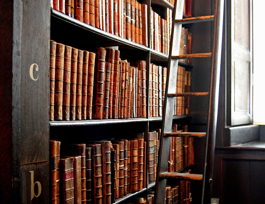 trinity-college-long-room-library-dublin (5)