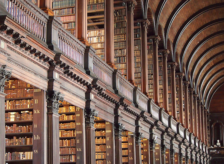 trinity-college-long-room-library-dublin (9)